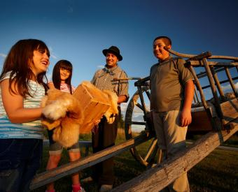 Students at Batoche National Historic Site. Parks Canada photo, Hogarth Photography 2011.